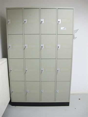 Locker Met 16 Afsluitbare Kasten Memax Online Veiling Van